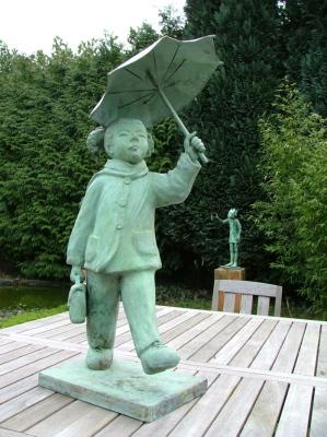fillette au parapluie