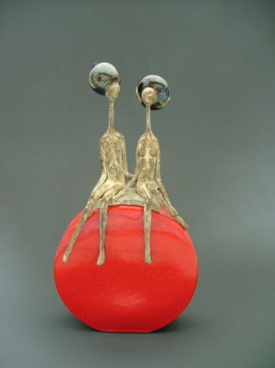 """couple (ceramique et bronze). Cette sculpture ne nous a pas été restituée apres avoir été confiée à monsieur Duhaubout de la galerie """"Princesse de Kiev"""" , si vous avez des informations, merci de nous contacter"""